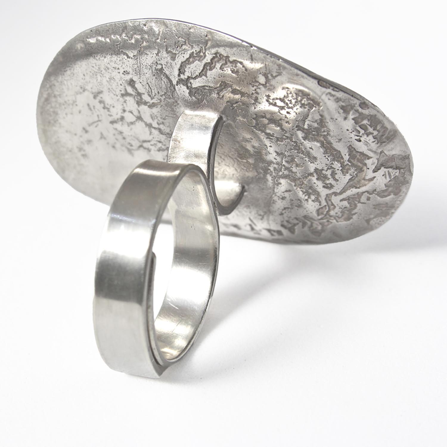 Meron Wolde detail Elevated oval ring